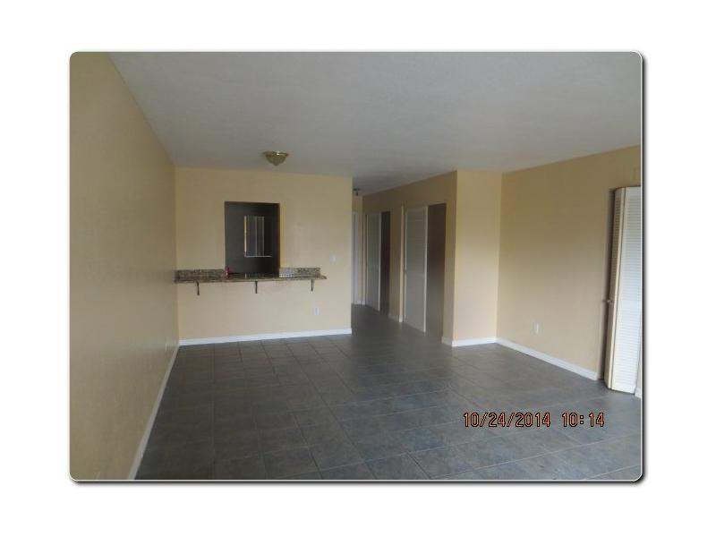 8600 SW 67 Ave #APT 909, Miami FL 33143