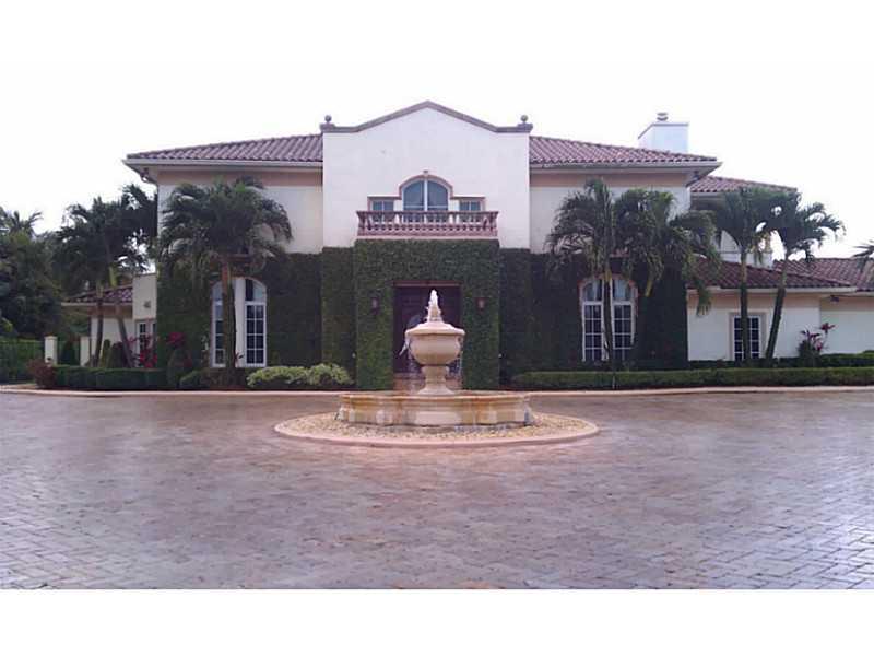 9876 NW 133 St, Hialeah, FL