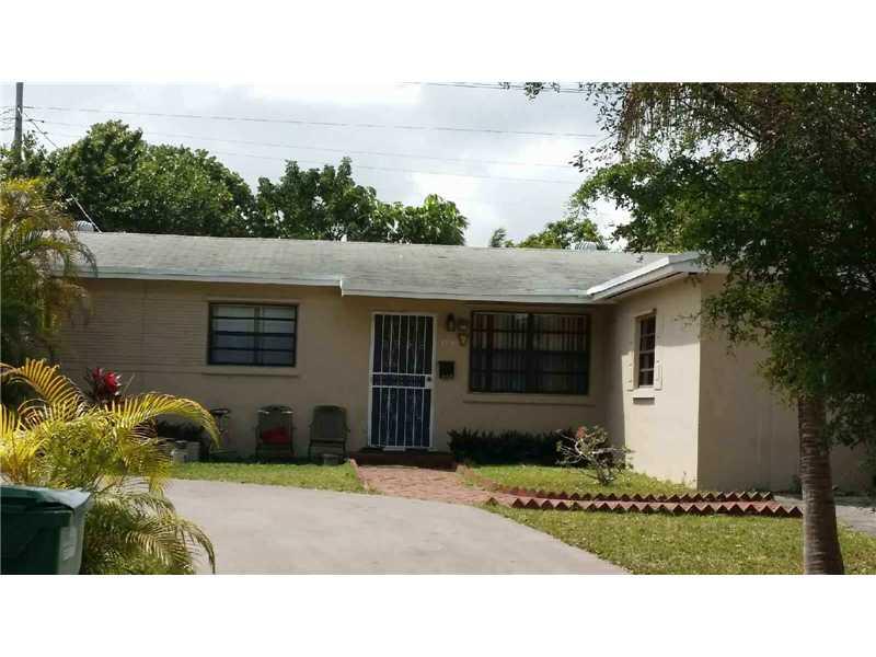 19740 Whispering Pines Rd, Miami, FL