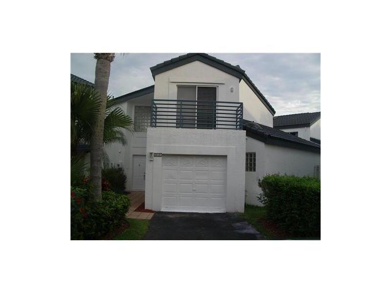 211 NE 212 St, Miami, FL