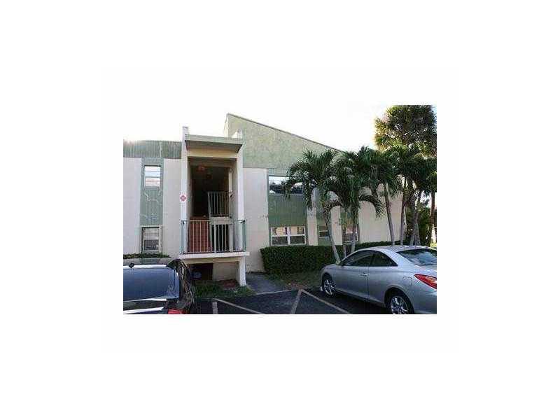 4273 NW 89 Ave #APT 204, Pompano Beach, FL