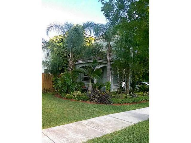 20609 SW 90 Pl, Miami, FL