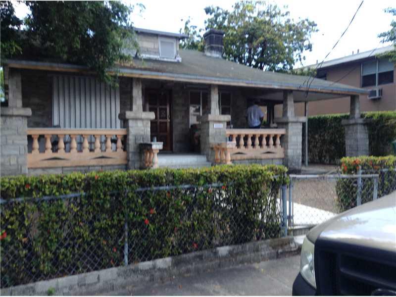 2004 SW 3 St, Miami, FL