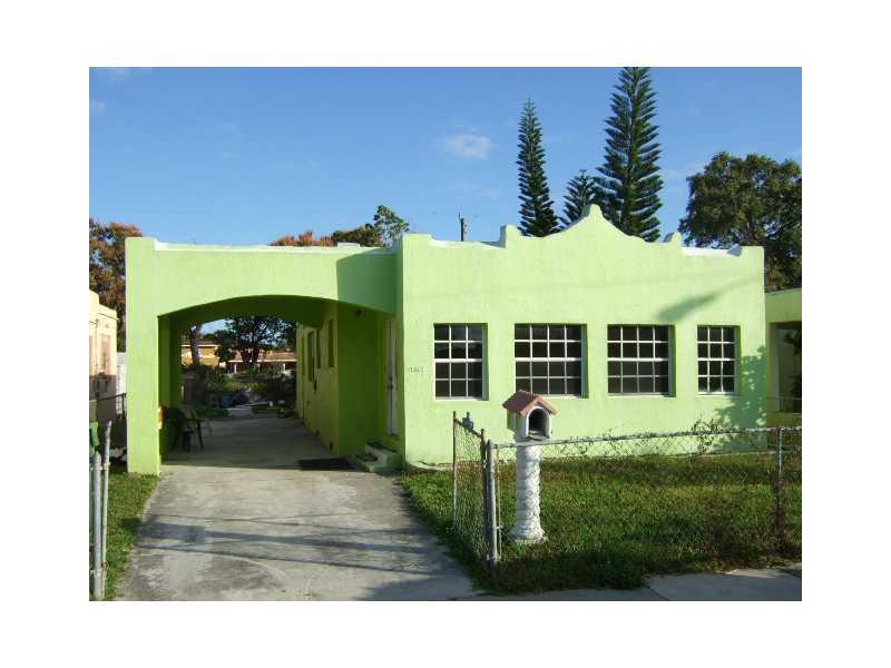 1873 NW 47 St, Miami, FL