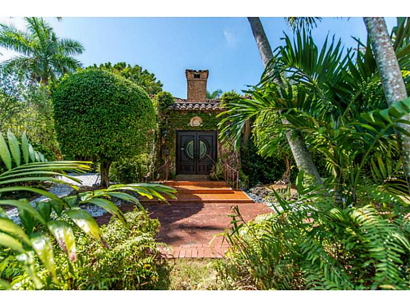 3690 St Gaudens Rd, Miami, FL