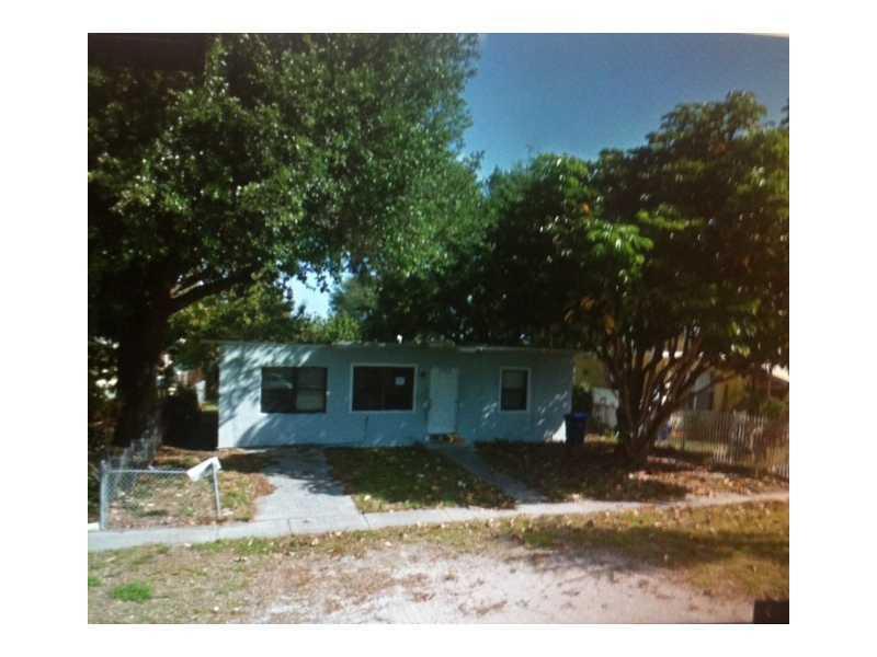 1365 NE 153 St, Miami, FL