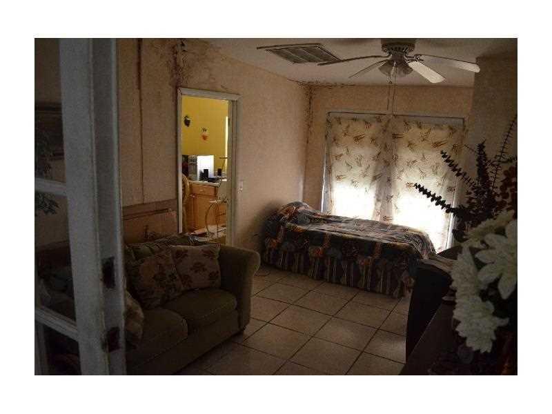 64 SW 64 Ct, Miami FL 33144