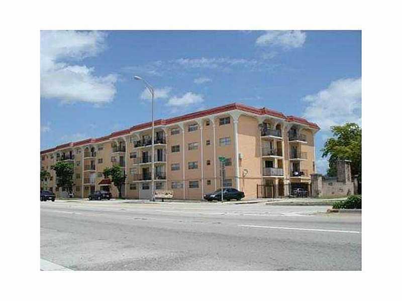 13725 NE 6 Ave #APT 207, Miami, FL