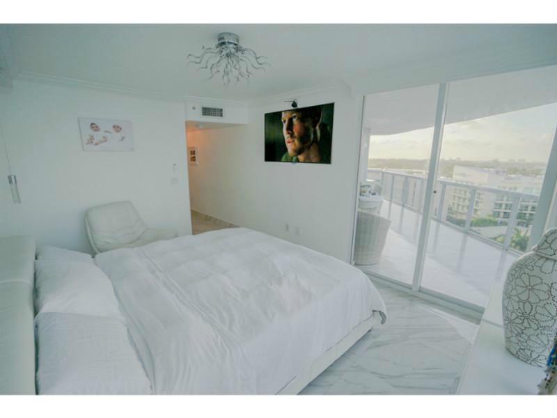 6301 Collins Ave #APT 1008, Miami Beach FL 33141
