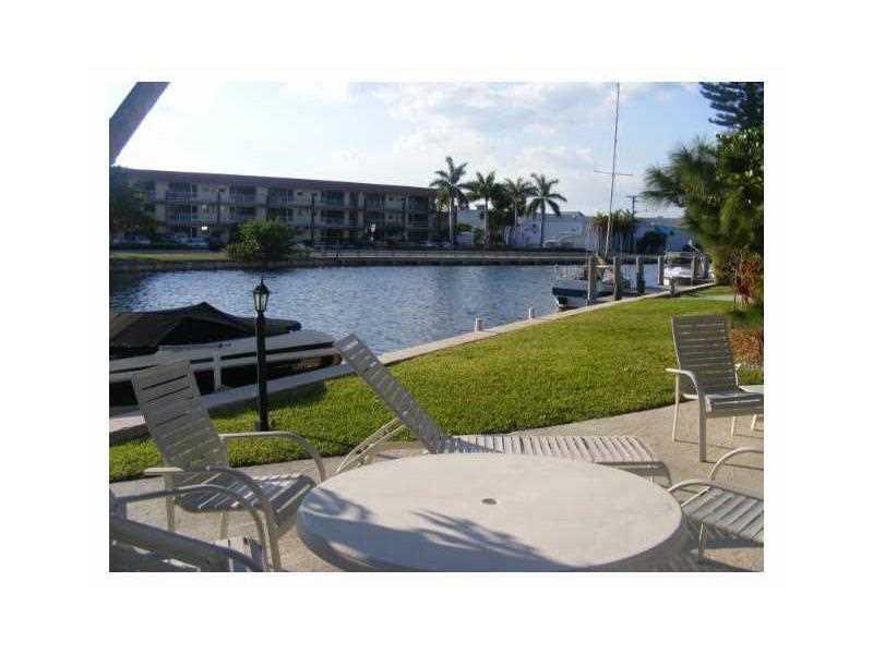 455 Golden Isles Dr #APT 207, Hallandale, FL