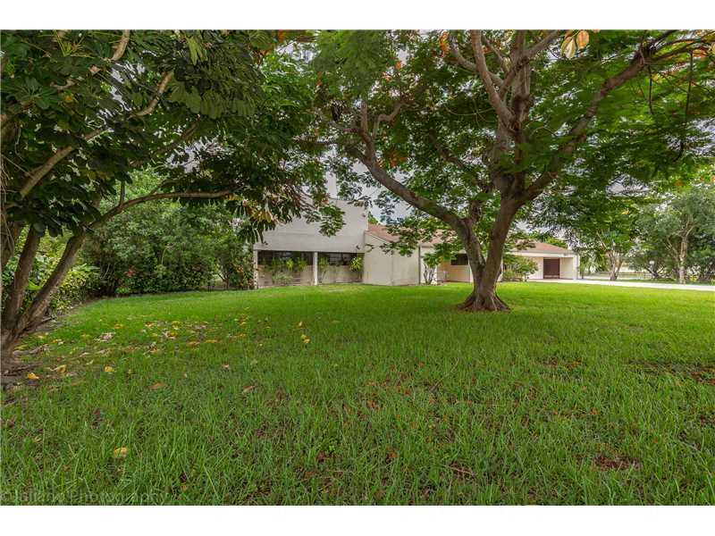 10299 SW 64 St, Miami, FL