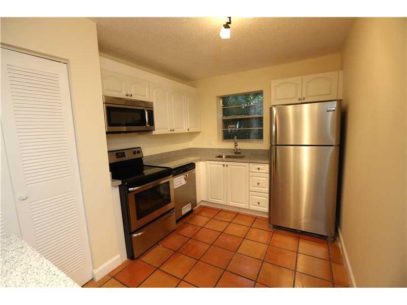 2324 Van Buren St #APT 102, Hollywood, FL