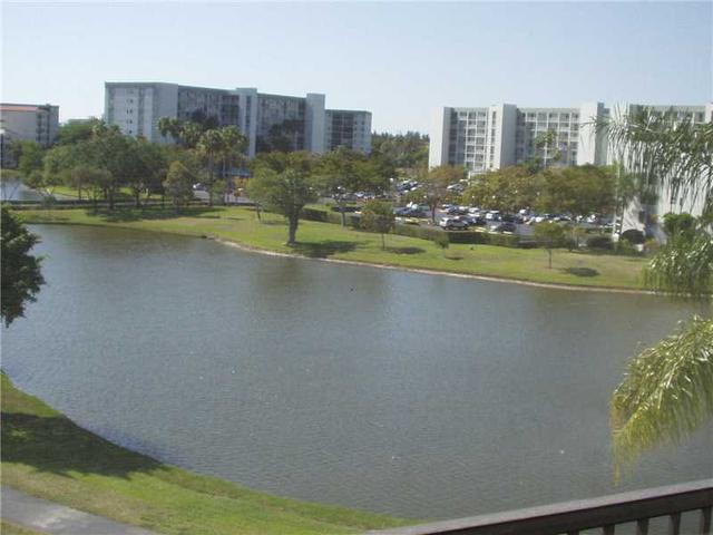 2112 S Cypress Bend Dr #APT 506, Pompano Beach, FL