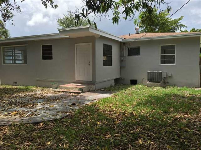 740 NE 139 St, Miami, FL 33161