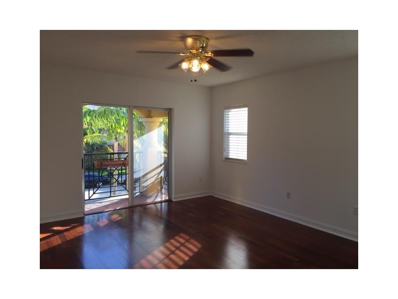 101 Sidonia Ave #APT 202, Miami, FL