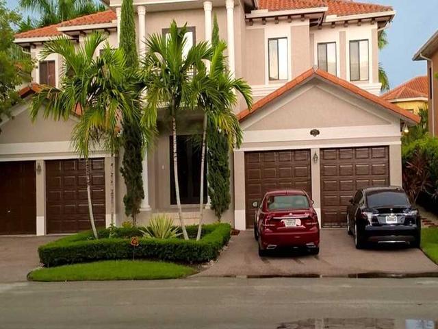 19325 SW 79 Ct, Miami, FL