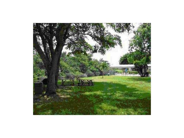 109 Royal Park Dr #1h, Fort Lauderdale, FL 33309