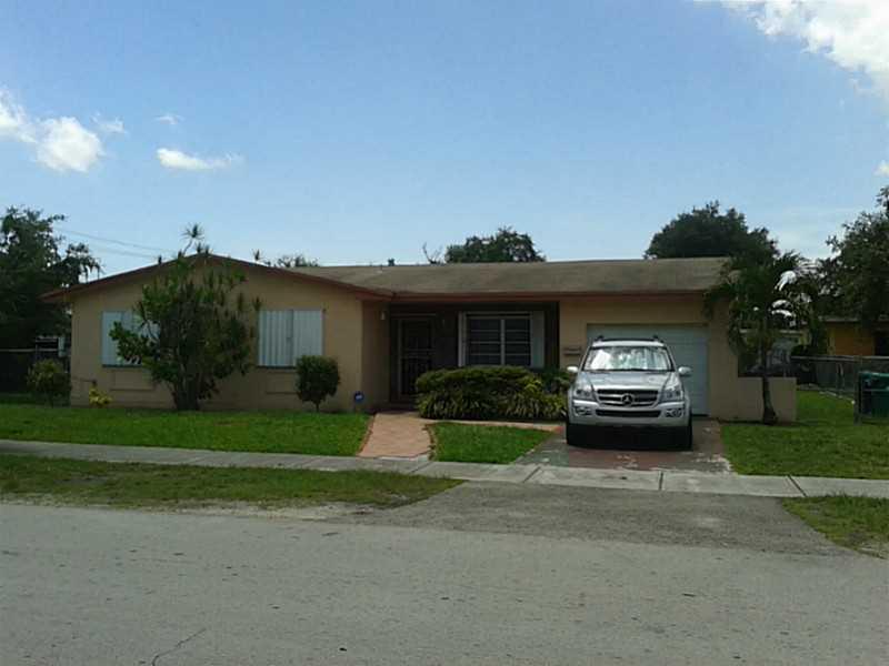 2904 NW 52 St, Miami, FL