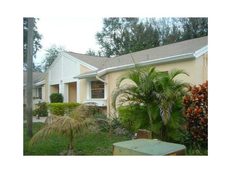 819 NE 214 Ln #APT 01, Miami, FL