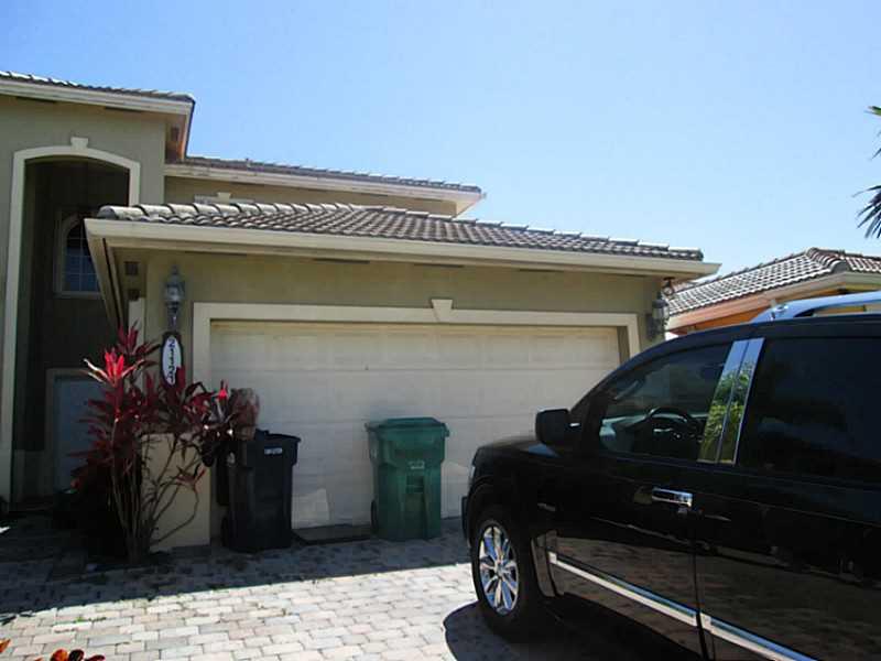 21121 SW 88 Ct, Miami, FL