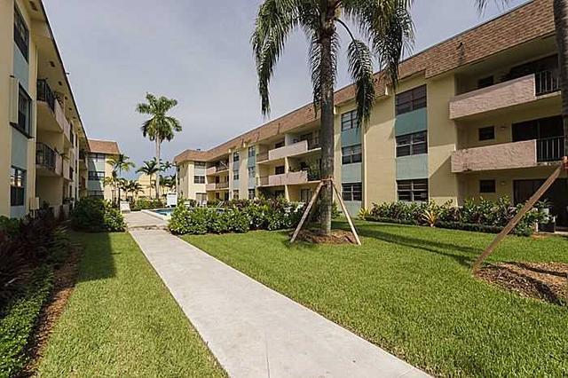 9020 NE 8 Ave #APT 1-i, Miami, FL