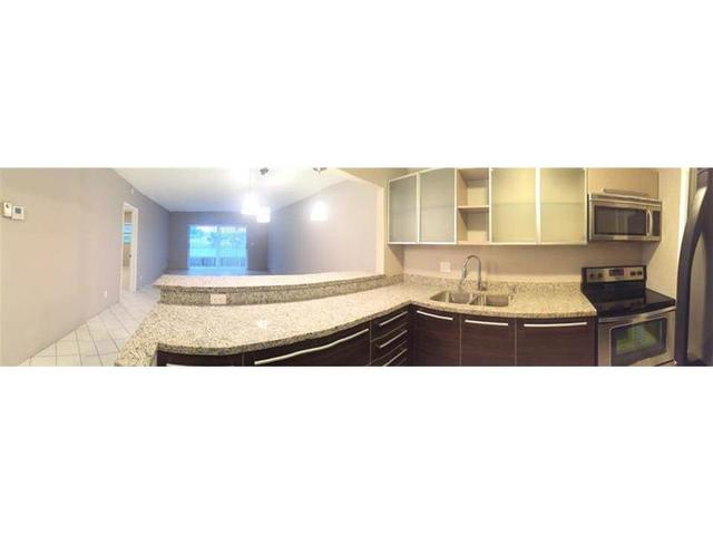 1001 Hillcrest Ct #APT 109, Hollywood, FL