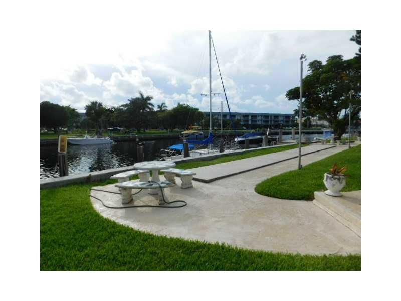 455 Golden Isles Dr #APT 209, Hallandale, FL