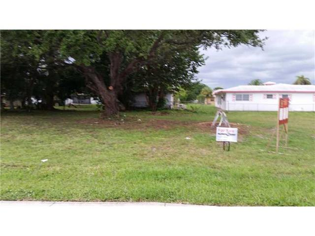 2715 NW 21 Ave, Oakland Park, FL 33311