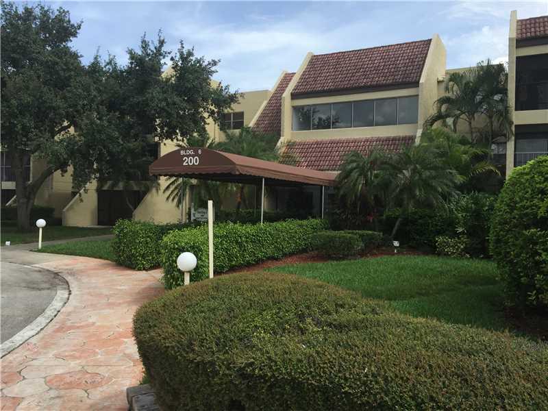 200 Lakeview Dr #APT 208, Fort Lauderdale, FL