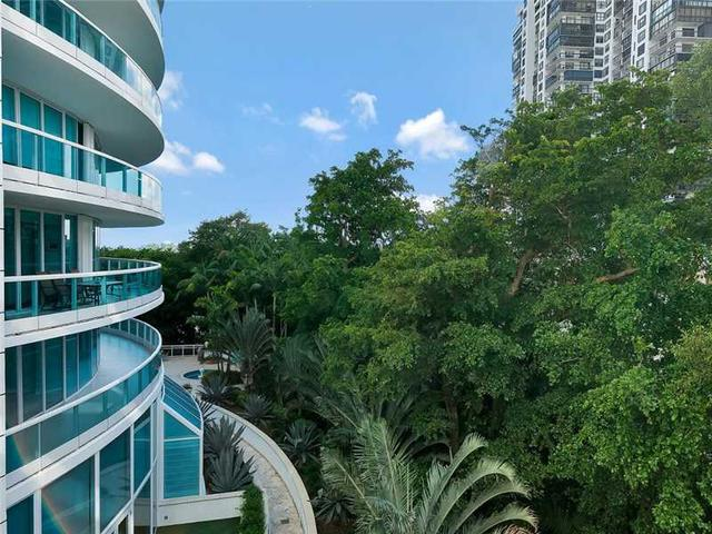2127 Brickell Ave #APT 605, Miami, FL