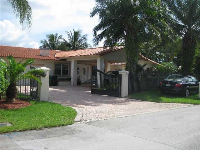 8725 SW 109 St, Miami, FL