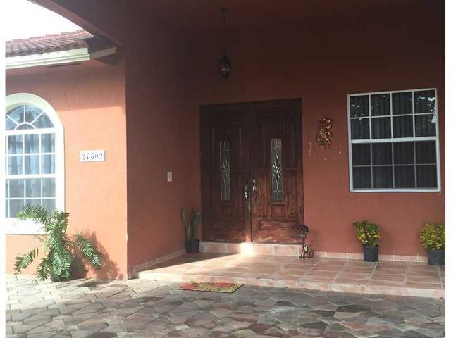 27502 SW 162 Ct, Unincorporated Dade County, FL 33031