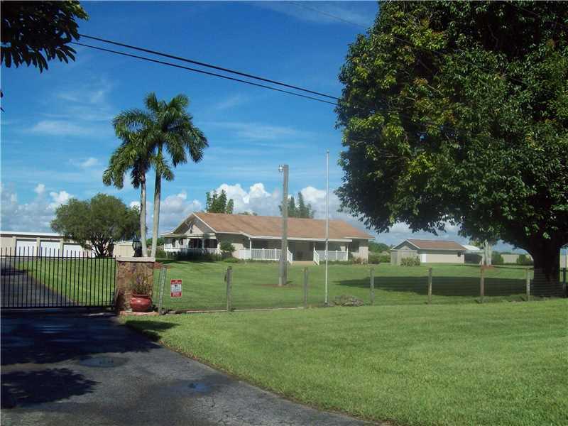 19650 SW 207 Ave, Miami, FL