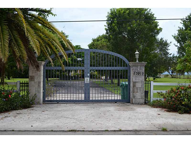 13915 SW 182 Ave, Miami, FL