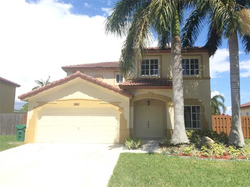 8821 SW 212 Te, Miami, FL