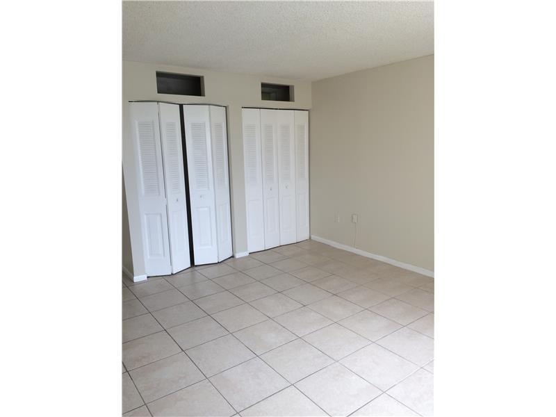 7000 NW 186 St #APT 4-424a, Hialeah, FL