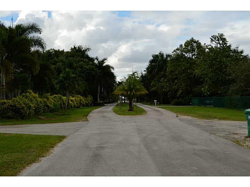 19300 SW 185 Ct, Miami, FL
