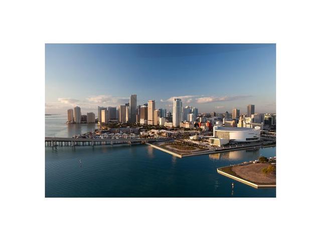 244 Biscayne Bl #1607, Miami, FL 33132