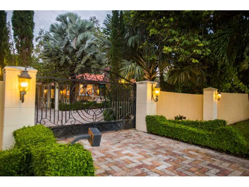 6445 SW 102 Ave, Miami, FL