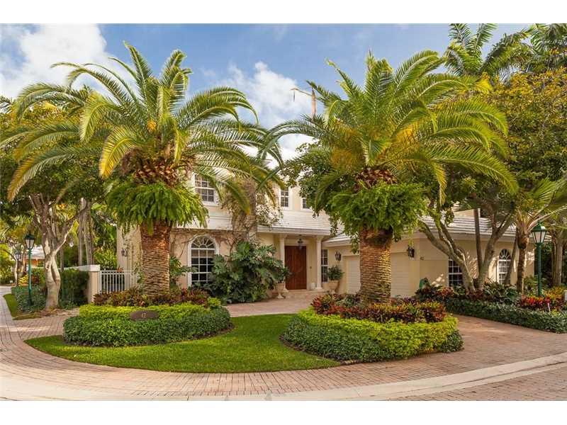 42 Grand Bay Estates Cr, Key Biscayne, FL 33149