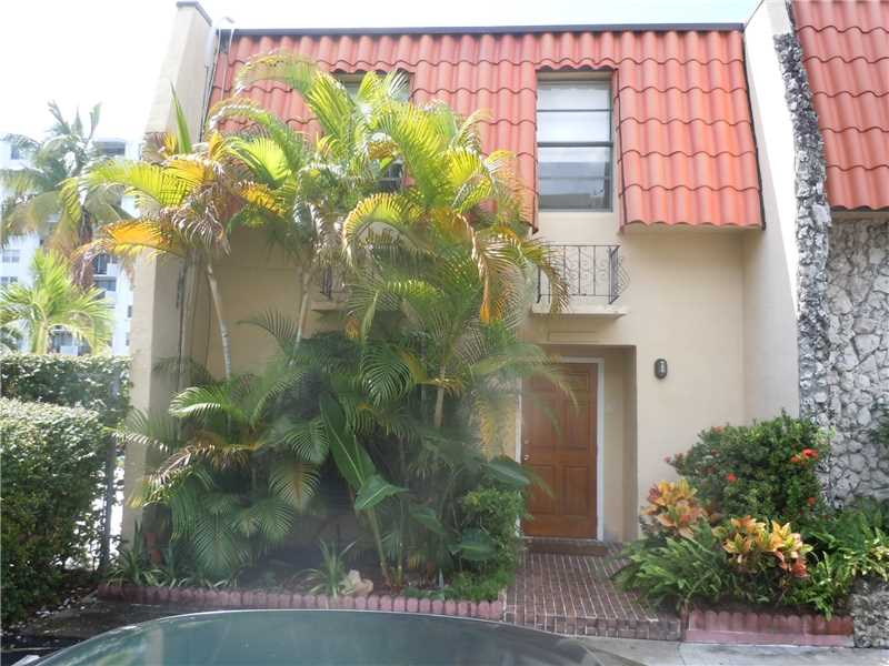 3666 NE 167 St #APT 30, North Miami Beach, FL