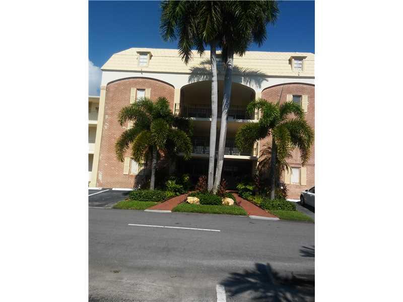 460 Paradise Isle Bl #APT 306, Hallandale, FL
