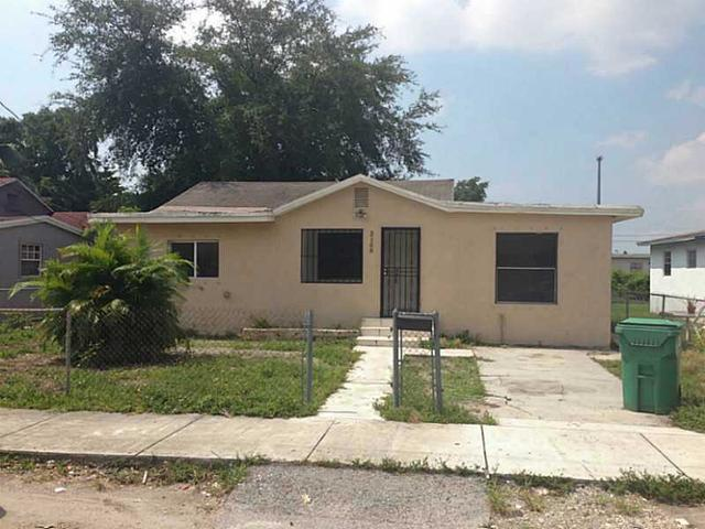 2160 NW 98 St, Miami, FL