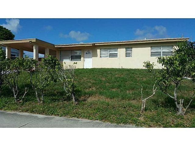 1536 N Seacrest Bl, Boynton Beach, FL 33435