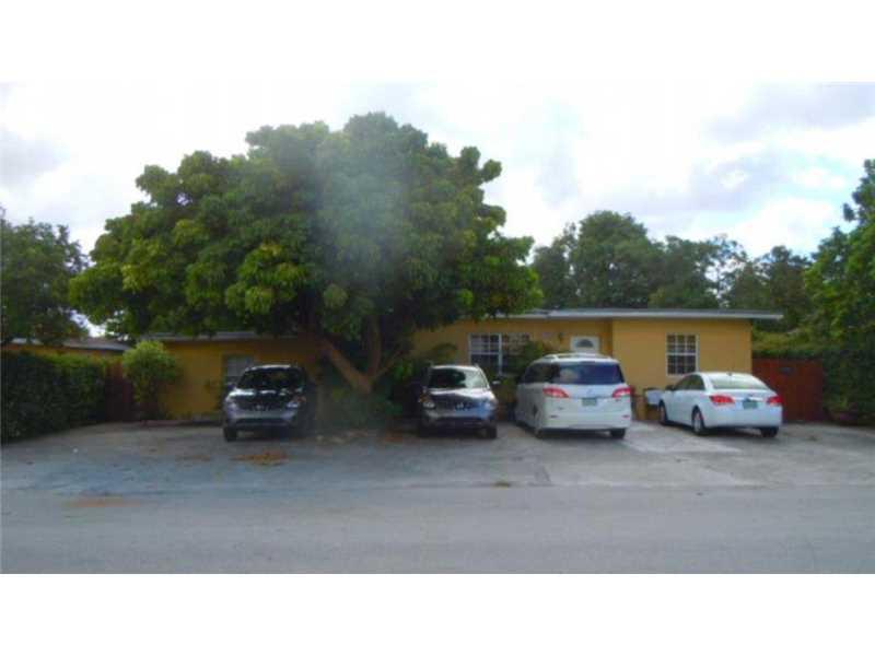 843 SW 71 Ct, Miami, FL