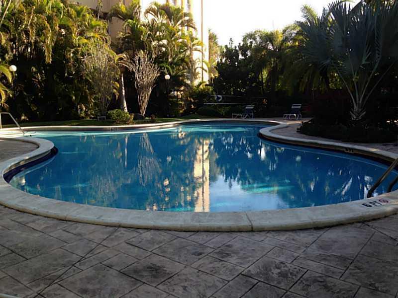 6904 N Kendall Dr #APT f105, Miami, FL