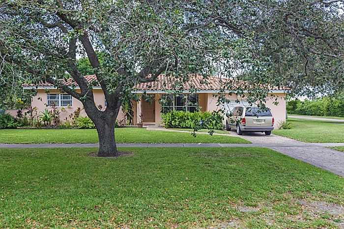 11200 NW 2 Ave, Miami, FL