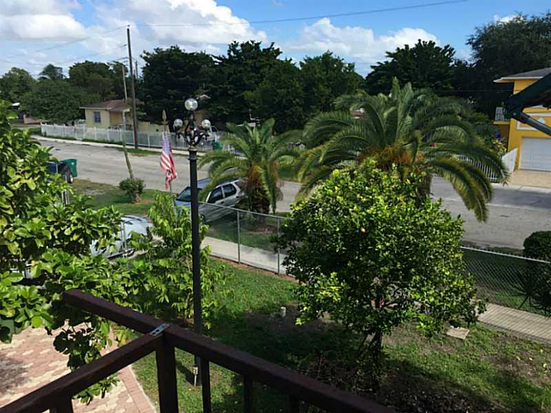 2501 NW 33 St, Miami, FL