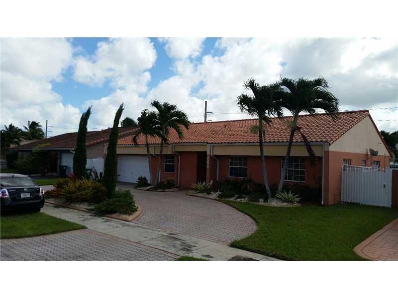 8880 SW 11 St, Miami, FL