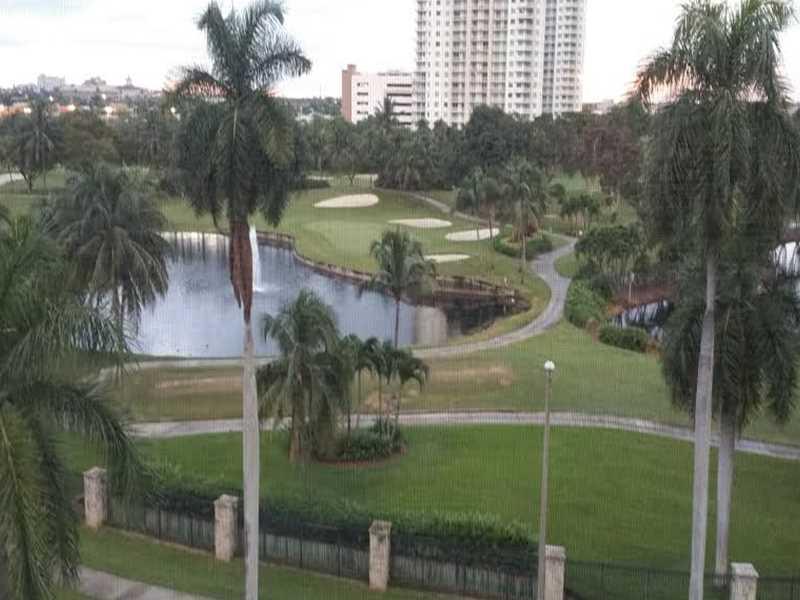 300 Diplomat Pw #APT 617, Hallandale, FL